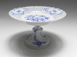 footed bowl, blue onion, Meissen, d: 21 cm