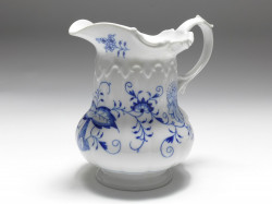 milk-jug, blue onion, Meissen, V: 0,5 l.