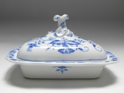 vegetable-dish with lid, Meissen, blue onion, 20x15 cm