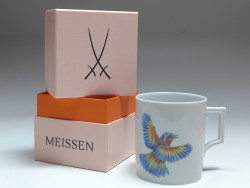 Kaffeebecher, Meissen, Flying Jewel, fliegender Vogel, H: 9 cm