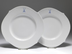 dinnerplate set for 2 persons, crossed swords, waves pur, Meissen, d: 28,5 cm