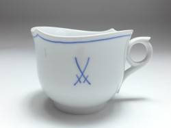mug, crossed swords, shape waves pur with rim, Meissen, V: 0,3 l.